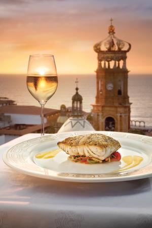 10_i31_Puerto_Vallarta_Courtesy_of_Convention_and_Visitors_Bureau_of_Riviera_Nayarit.jpg