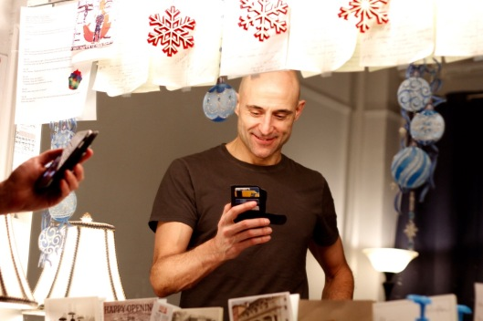 MARK_STRONG_DRESSING_ROOM