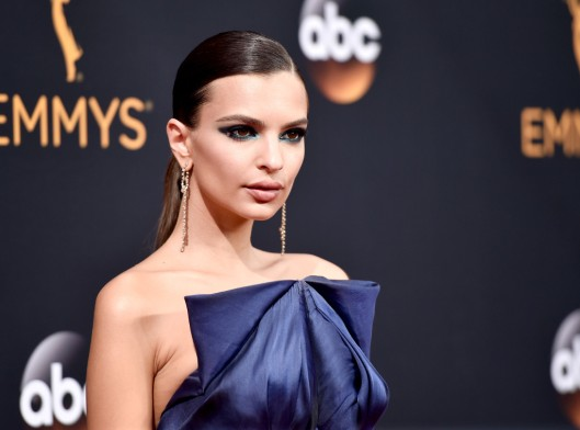 rs_1024x759-160918173622-1024-emily-ratajkowski-best-beauty-emmy-awards-2016